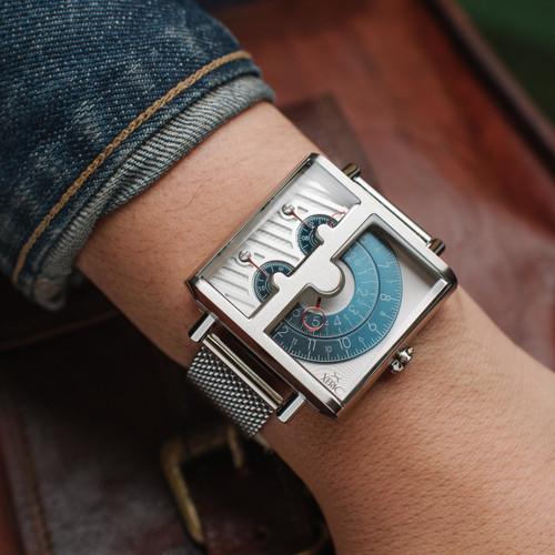 Xeric Soloscope SQ Blue Silver Mesh wrist (SSQ-3018-MESH)