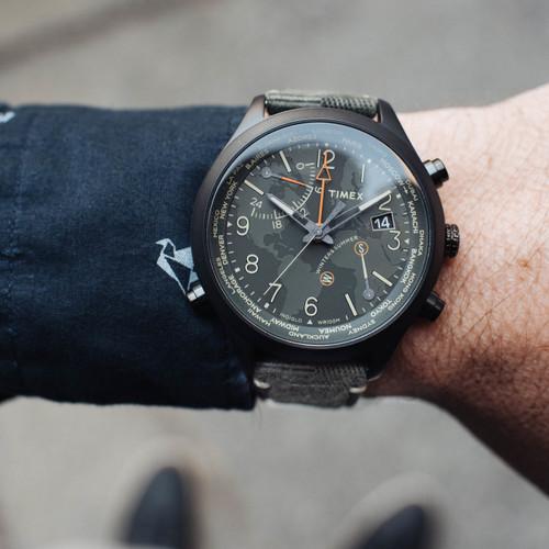 Timex Waterbury World Time Intelligent Quartz Black Olive (TW2R43200VQ)