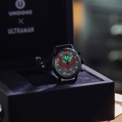 Undone Ultraman Chronograph Limited Edition All Black (UNUCLB) box lume