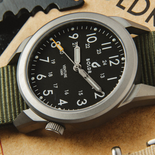 Boldr Venture Jungle Green (BD-VEN-JG) titanium field watch dial 1