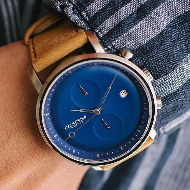 golden-gate-chrono-blue-sand-wrist-640x.jpg