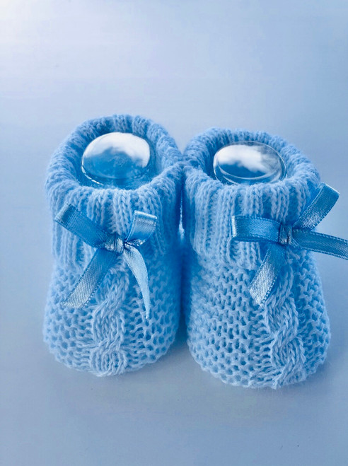 Knitted bootees blue