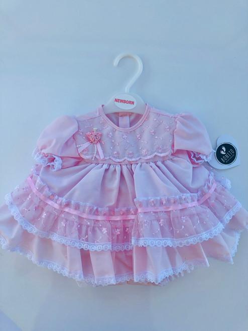 Frilly dress rose