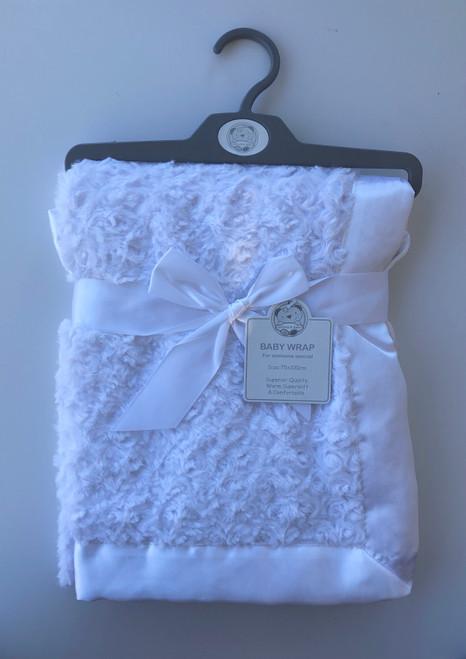 Super soft swirl wrap white