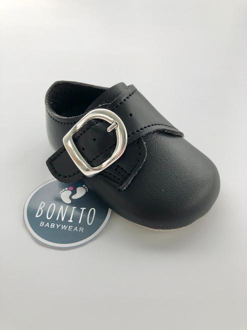 Soft sole buckle shoe