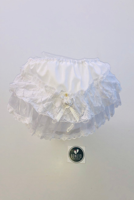 Frilly pants white