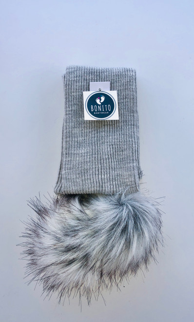 Pom-Pom scarf Grey