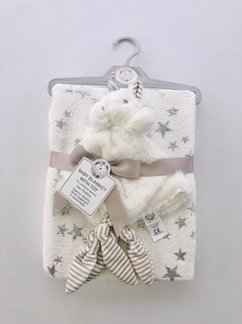 Blanket with unicorn comforter cream