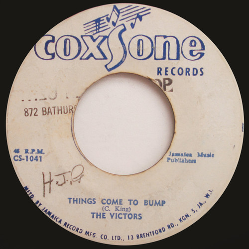 """The Victors / The Lyrics  """"Things Come To Bump"""" / """"Hear What The Old Man Say"""" (45 single)"""