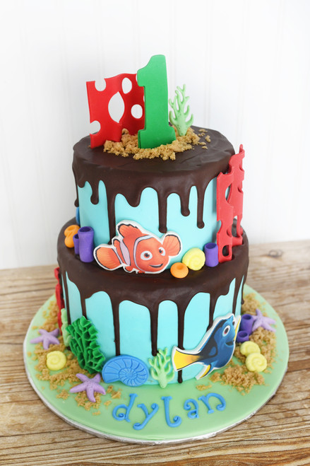 Finding Nemo/Baby Sharks/Bubble Guppies Drip Cake