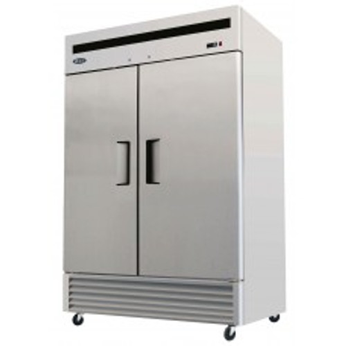 B-Series Reach-In Refrigerator, two-section, self-contained refrigeration, 46.0 cu. ft. capacity, 33?ø to 45?øF temperature range, (2) locking hinged self-closing doors, (6) adjustable shelves, ventilated refrigeration, interior lighting, automatic evaporation, digital temperature control, air defrost, stainless steel interior & exterior, galvanized steel back, bottom mounted refrigeration, 590 watts, 115v/60/1-ph, 6.5 amps, 1/3 HP, cETLus, ETL, CE, ENERGY STAR??