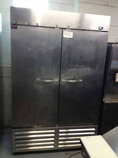 """Horizon Series Freezer, reach-in, two-section, 49 cu. ft., (1) right-hand hinged solid door, (1) left-hand hinged solid door, (6) adjustable shelves, electronic control, LED interior lighting, digital display, expansion valve technology, automatic defrost, bottom-mounted self-contained refrigeration, stainless steel interior and exterior, 6"""" casters, 3/4 hp, UL, cUL, UL-EPH, MADE IN USA, ENERGY STAR??"""