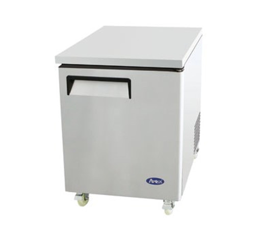 Undercounter Reach-In Refrigerator, one-section, self-contained refrigeration, 6.5 cu. ft. capacity, 33?ø to 45?øF temperature range, (1) locking hinged self-closing door, (1) adjustable shelf, ventilated refrigeration, automatic evaporation, air defrost, stainless steel interior & exterior, galvanized steel back, casters, rear mounted refrigeration, 260 watts, 115v/60/1-ph, 3.2 amps, 1/6 HP, cETLus, ETL, CE, ENERGY STAR??