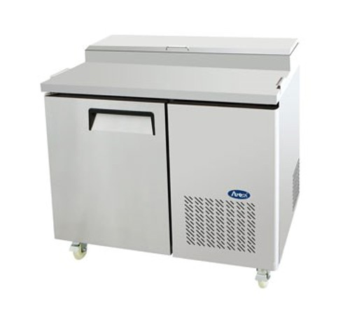 Refrigerated Reach-In Pizza Prep Table, one-section, self-contained refrigeration, 14.0 cu. ft. capacity, includes (6) 1/3 stainless steel pans, 33?ø to 38?øF temperature range, (1) locking hinged self-closing door, (1) adjustable shelf, ventilated refrigeration, automatic lighting & evaporation, air defrost, stainless steel interior & exterior, galvanized steel back, casters, side mounted refrigeration, backsplash, 390 watts, 115v/60/1-ph, 4.2 amps, 1/3 HP, cETLus, ETL, CE