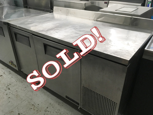 """TRUE TWT-60 Work Top Refrigerator, two-section, stainless steel top with rear splash, front & sides, (2) stainless steel doors, (4) shelves, aluminum interior with stainless steel floor, (2) stainless steel doors, 5"""" castors, rear mount, R290 Hydrocarbon refrigerant, 1/4 HP, 115v/60/1, 4.0 amps, NEMA 5-15P, cULus, UL EPH Classified, MADE IN USA"""