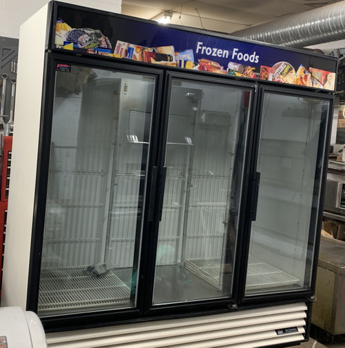 Freezer Merchandiser, three-section, True standard look version 01, -10?ø F, (12) shelves, powder coated steel exterior, white interior with stainless steel floor, (3) triple-pane thermal glass hinged door, LED interior lights, R290 Hydrocarbon refrigerant, 1 HP, 115/208-230v/60/1, NEMA 14-20P, 11.1 amps, cULus, UL EPH Classified, MADE IN USA, ENERGY STAR??