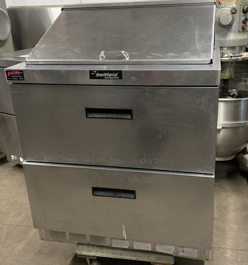 USED DELFIELD SANDWICH UNIT. HOLDS 12 1/6TH PANS.