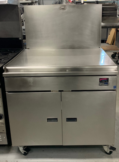 Donut Fryer, natural gas, floor model, 210 lb. oil capacity, mechanical thermostat, submerger, drainboard, stainless steel tank & exterior, 110,000 BTU, CSA, NSF