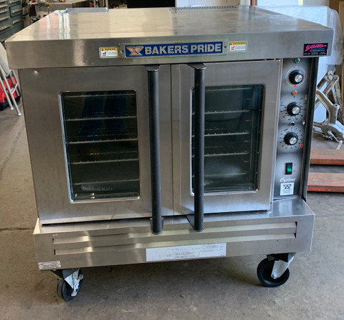 """Convection Oven, gas, single-deck, automatic ignition, 60-minute electric timer, temperature adjusts from 167° to 563° F, dual pane thermal glass windows, interior light, (4) heavy duty chrome plated racks, removable 13-rack positions, porcelain interior, stainless steel front & galvanized sides, legs with casters, 1/2 HP with dual-speed control, 3/4"""" NPT rear gas connection, 54,000 BTU, cETLus, ETL-Sanitation"""