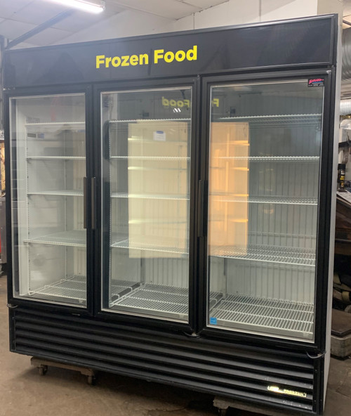 TRUE GDM-72F 3 DOOR MERCHANDISER FREEZER (KIT371)