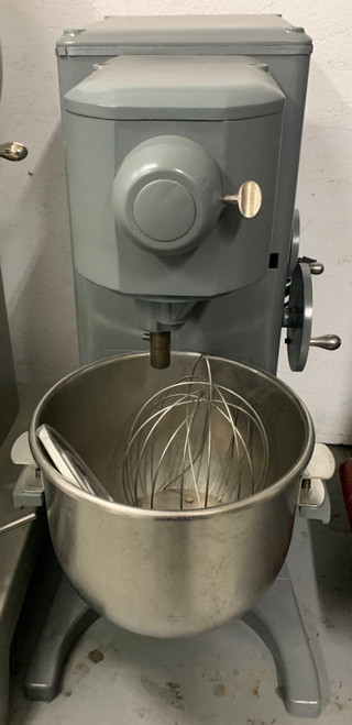 UNIVEX VARIABLE SPEED 30 QT MIXER (ARU421)