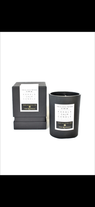 The Kahala Calm candle hibiscus & Gardenia exclusive $40.00