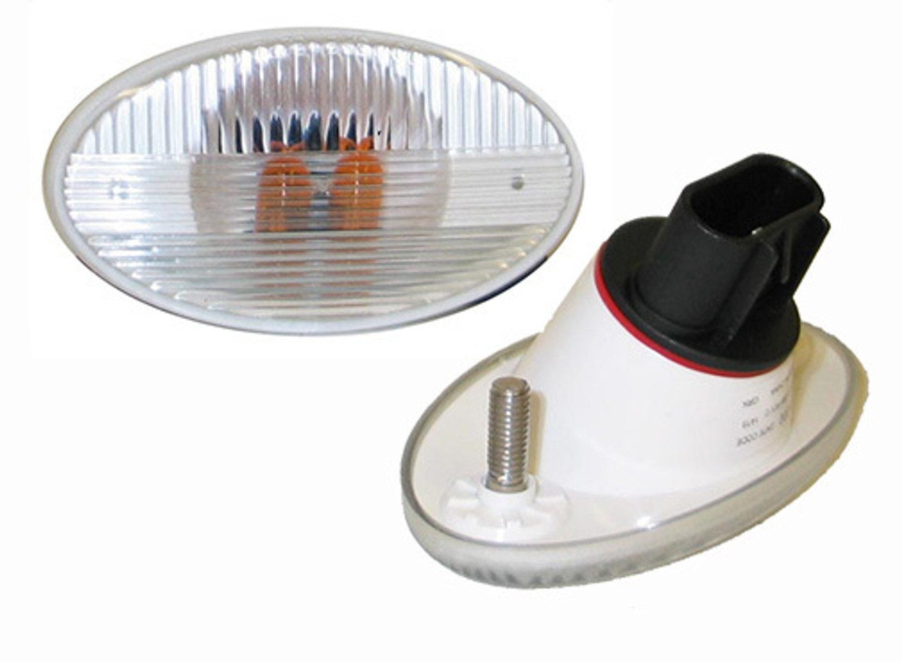Freightliner M2 Fender / Turn Signal Lamp- Clear with 2 Amber Bulbs