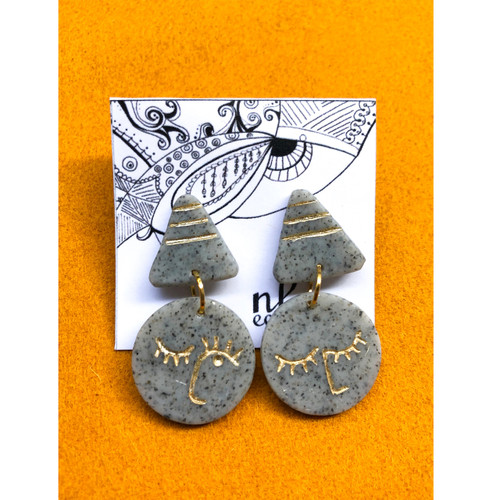 Round face earrings