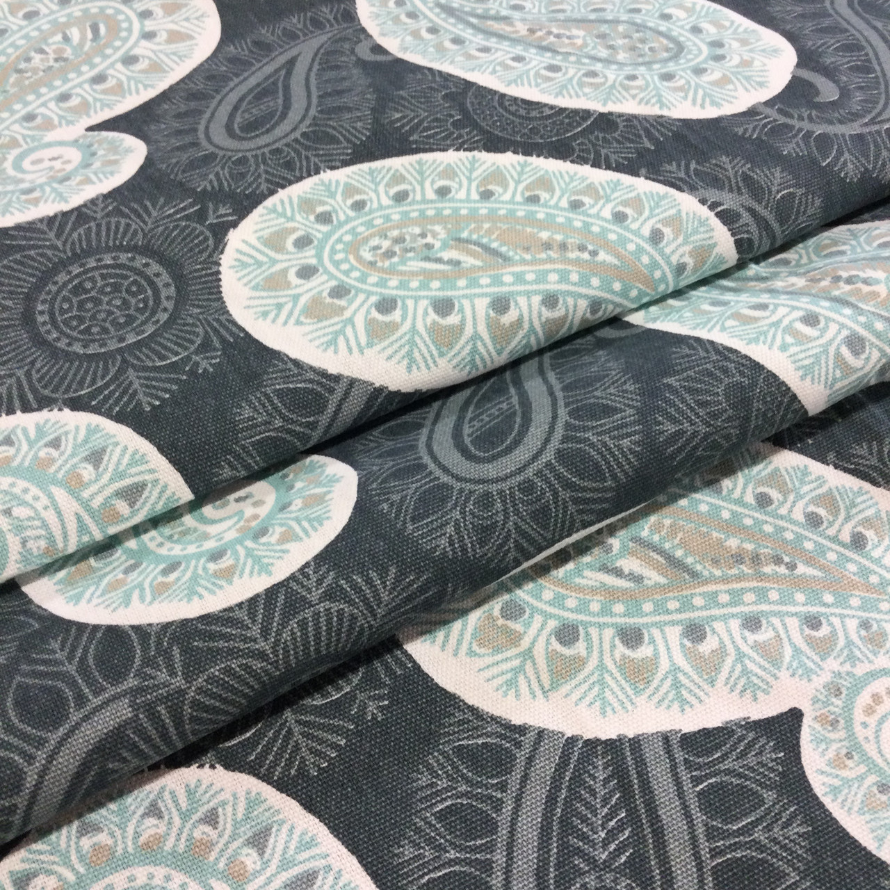 REMNANT Xerxes Fabric 54 inches x 9.5 yards