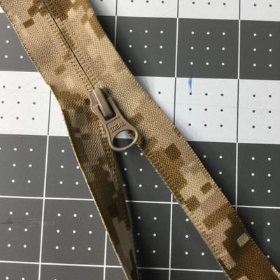 28 Inch Separating Jacket Zipper | Digital Desert Camouflage, Single Pull |