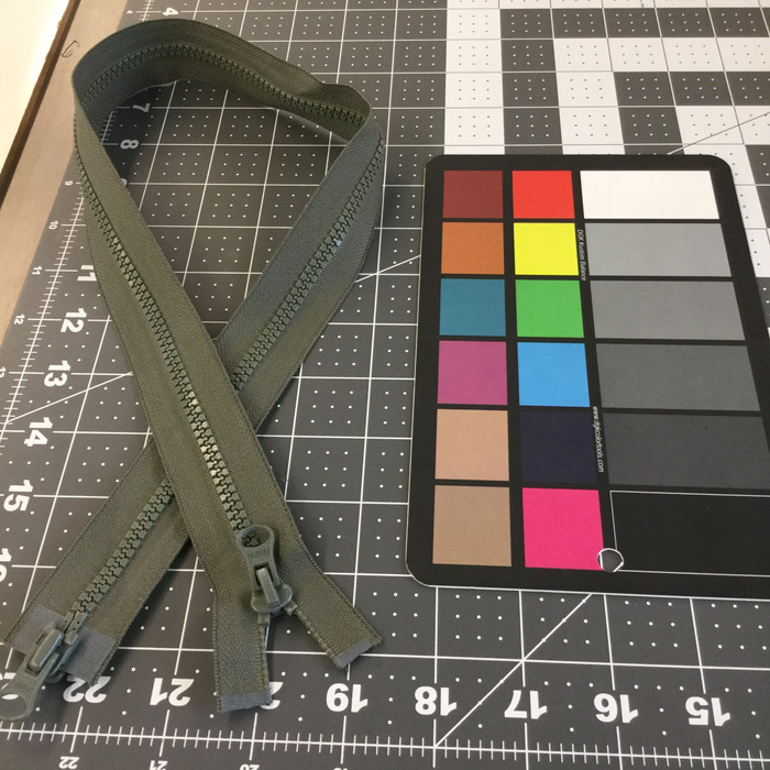 "26"" Molded Plastic Zipper - 2 pulls   Foliage Green    YKK Brand   Military   Bags"