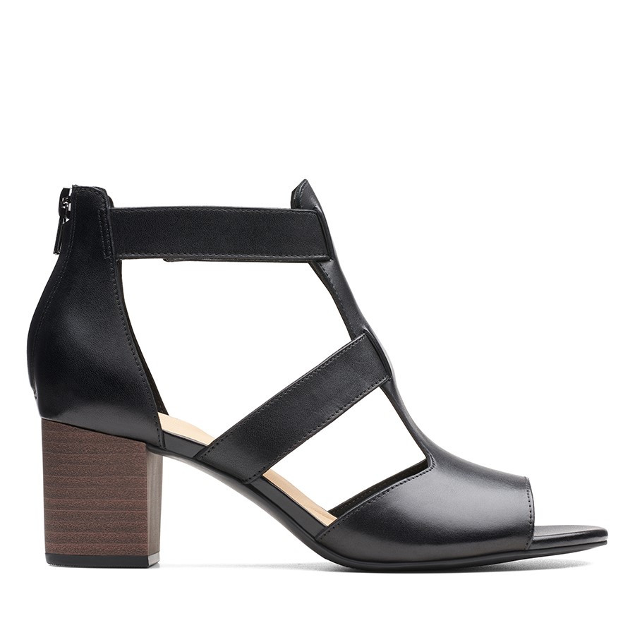 Shoe Warehouse Deloria Fae Black Leather