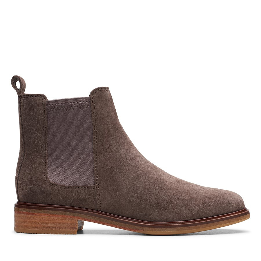 Shoe Warehouse Clarkdale Arlo Taupe Suede