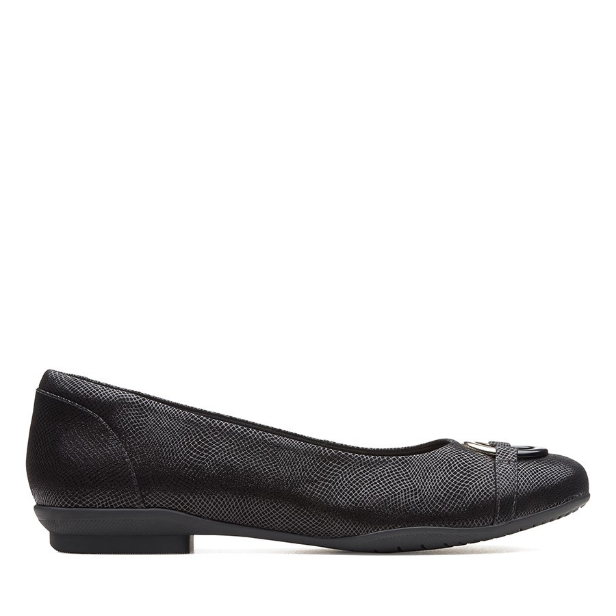 Shoe Warehouse Neenah Vine Black Interest Leather