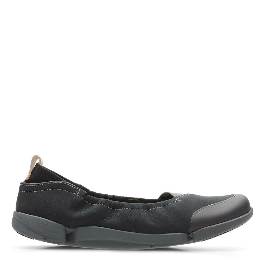 Shoe Warehouse Tri Adapt. Black Nubuck