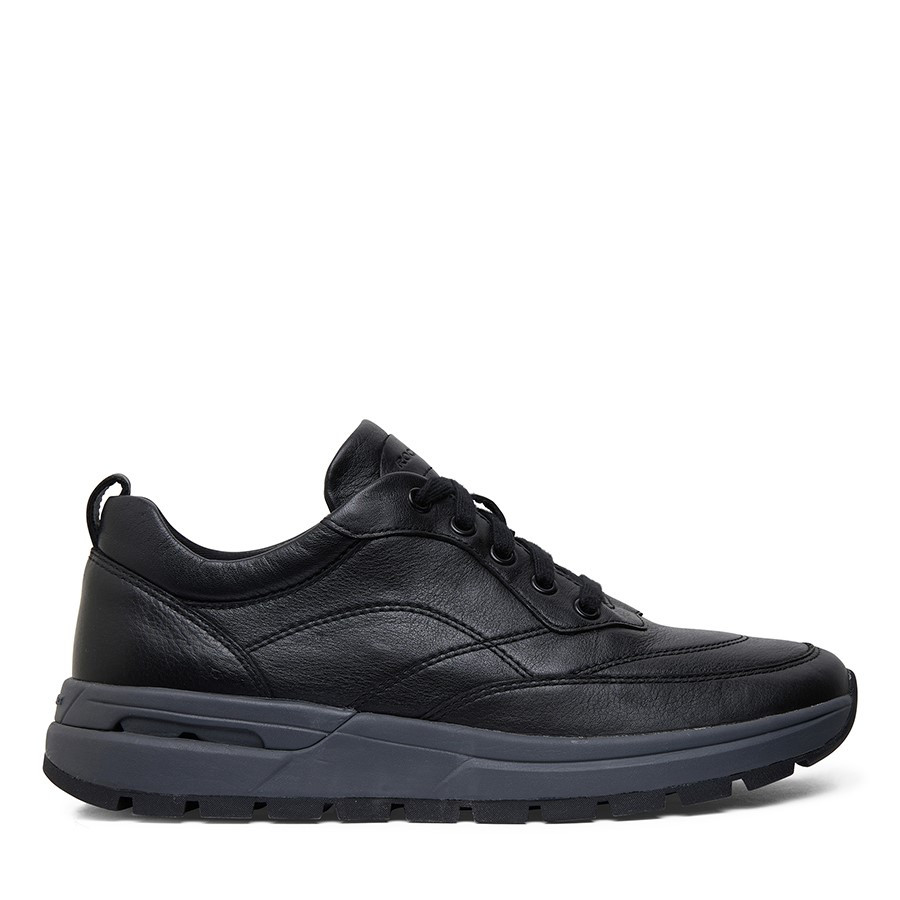 Shoewarehouse Pulsetech Sneaker Black