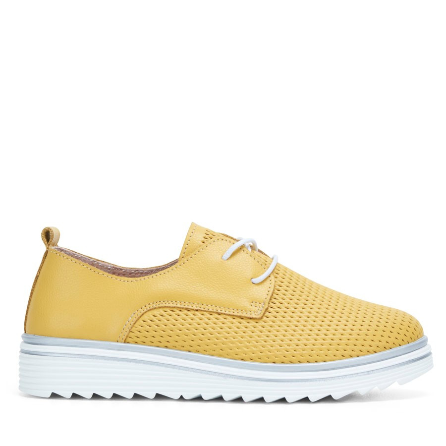 Shoewarehouse Carnation Yellow