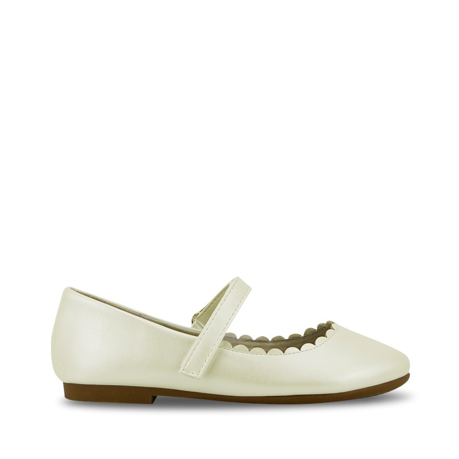 Shoewarehouse Roxie White Pearl