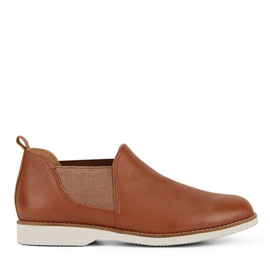 Shoewarehouse Dixie Tan
