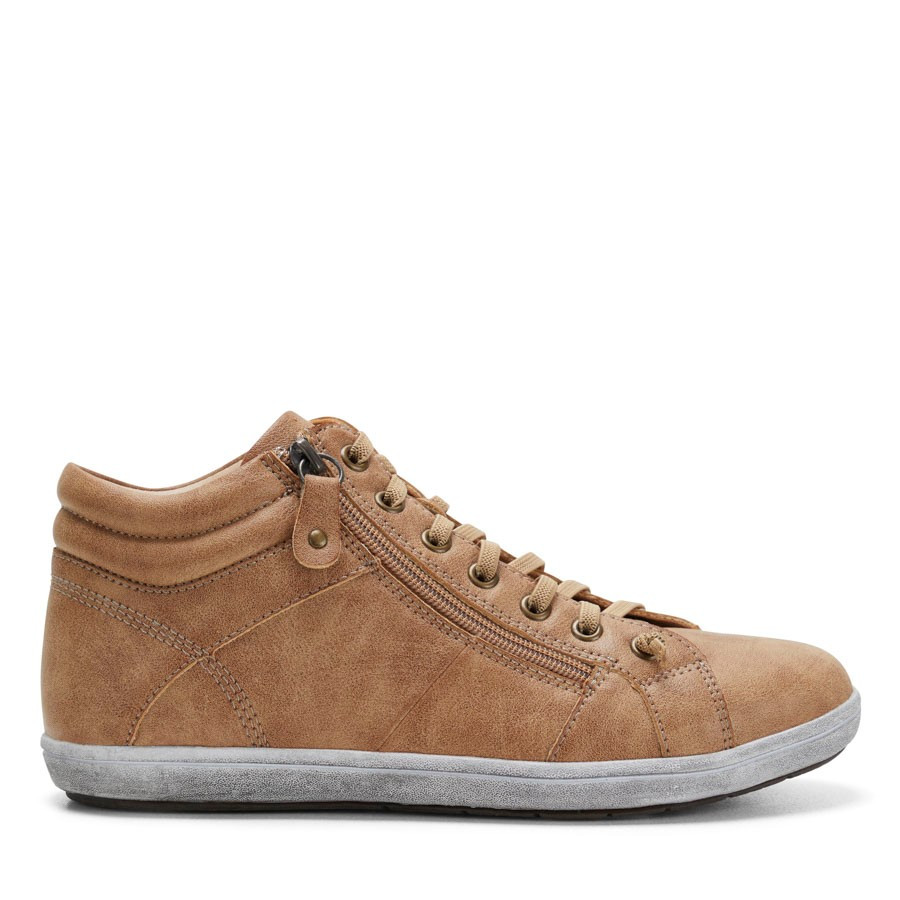 Shoewarehouse Zorro Camel