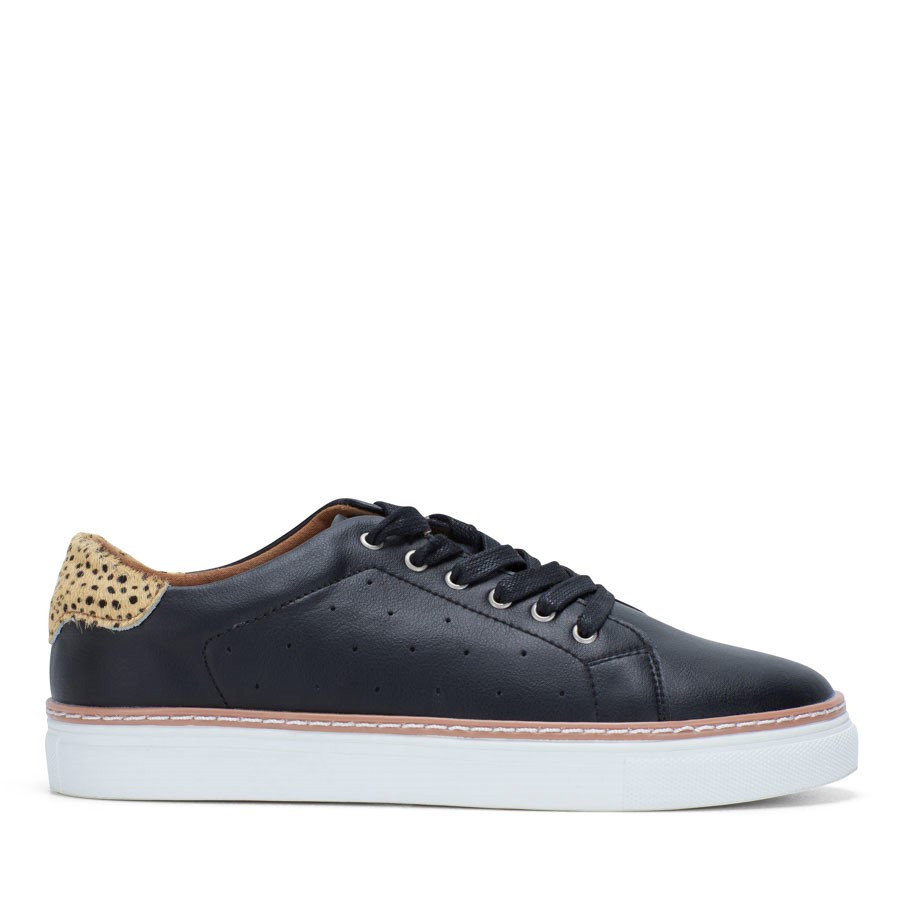 Shoewarehouse Missha Black/Tan