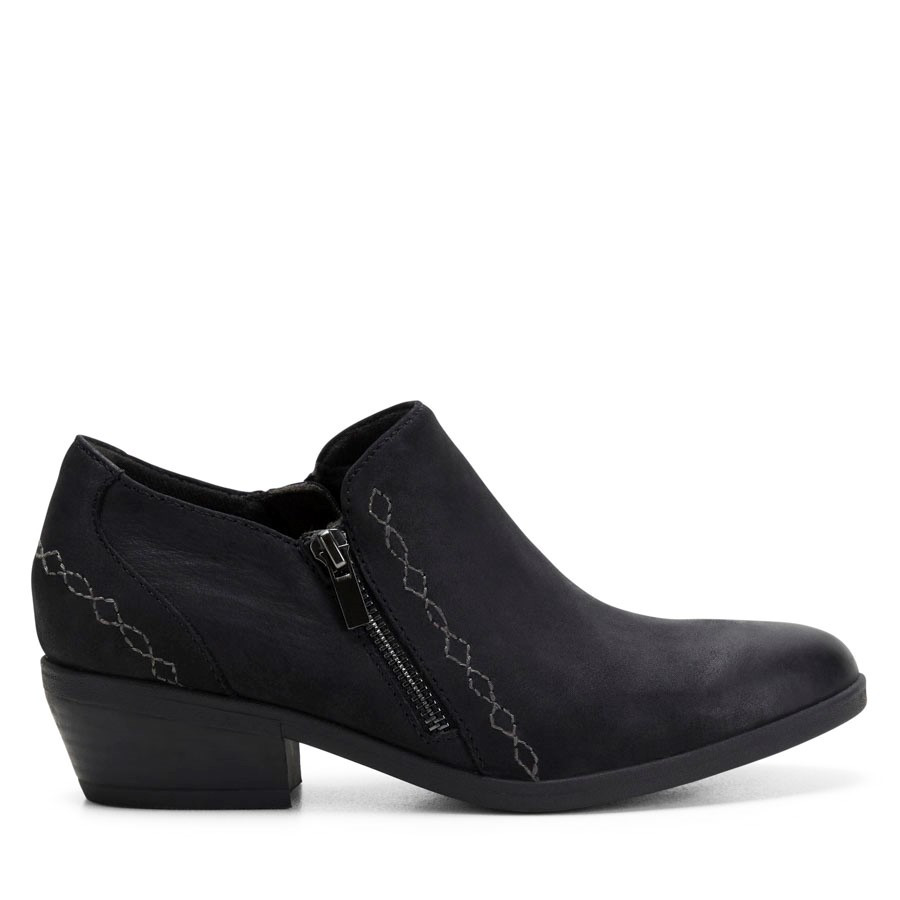 Shoewarehouse Caitlyn Black Leather