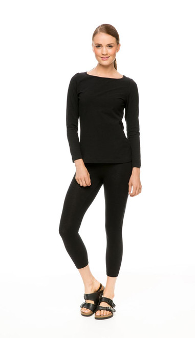Long Sleeve Knit Tee Boatneck in black, with Capri Pant in black