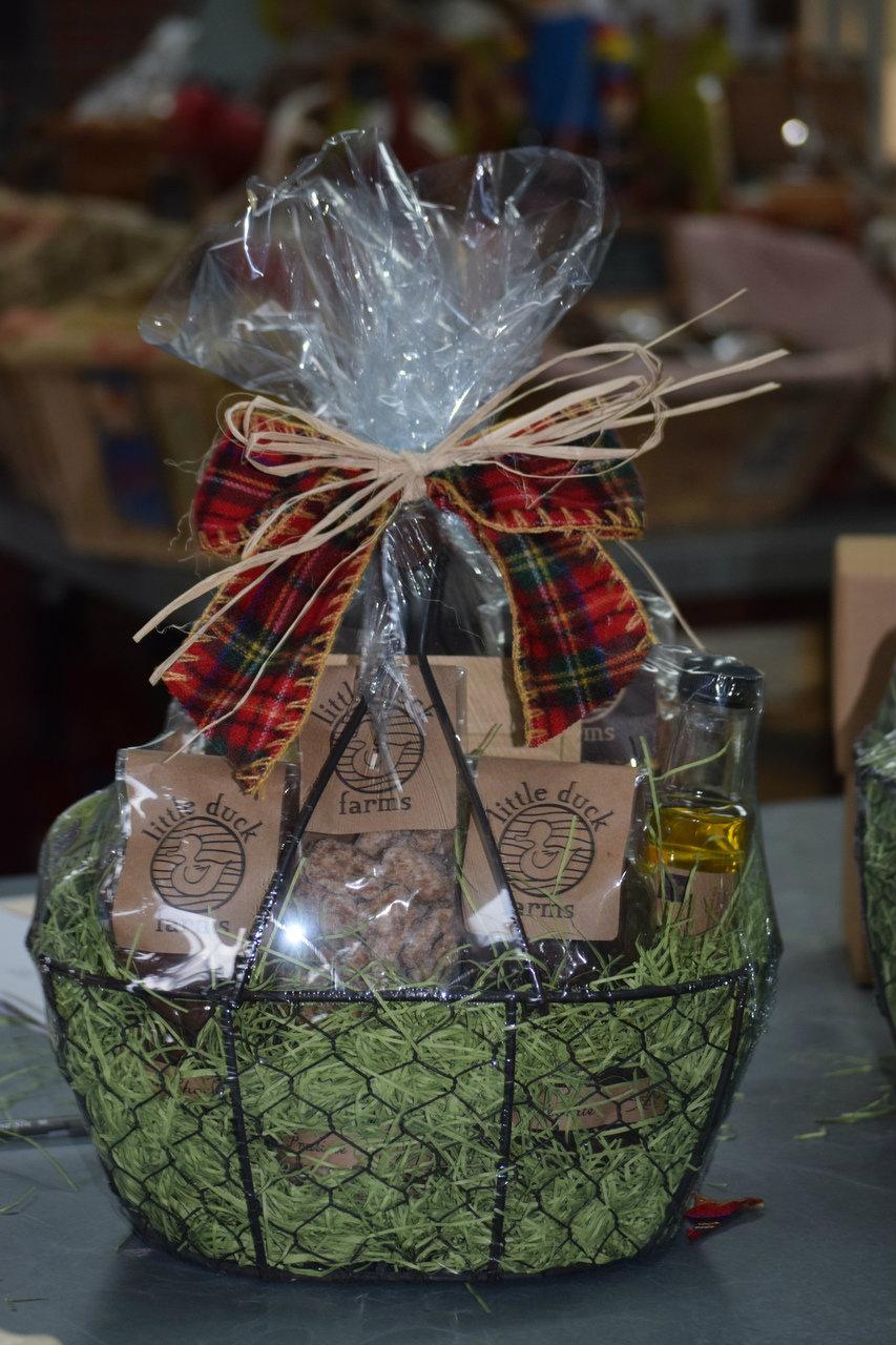 Christmas Basket-large