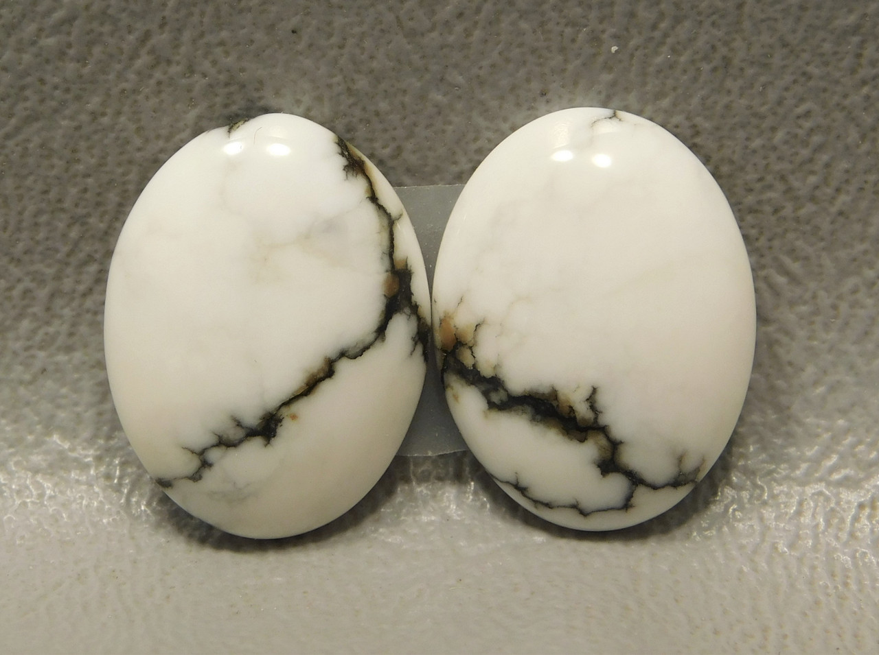 Cabochons Howlite Matched Pairs Stones 17 mm by 13 mm Ovals #11