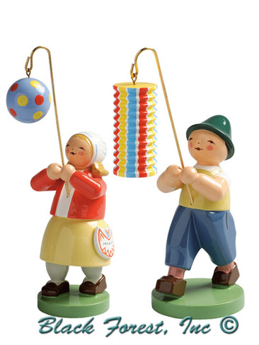 6228-N-2015 Children with Lantern Set from Wendt and Kuhn