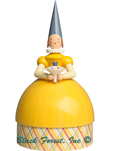 5272-11Gleb Knitting Lady Princess in yellow dress from Wendt and Kuhn