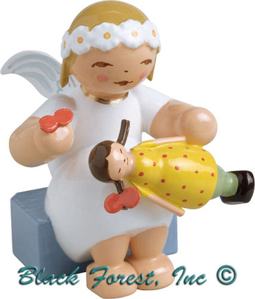 634-70-25 Wendt and Kuhn Marguerite Angel Sitting with Doll