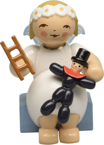 634-70-41 Wendt and Kuhn Marguerite Angel with Prune Doll and Ladder