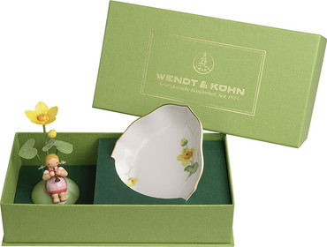 5226-1 Wendt and Kuhn Girl with Marigold and Porcelain Dish